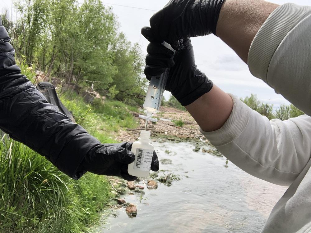 Sampling water for chemical testing