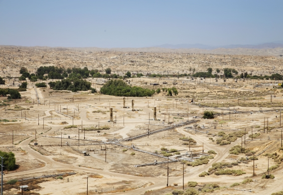 Kern River Oil Field in California. Photo credit: Andrew Grinberg / Clean Water Action